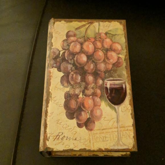 Wine theme storage box